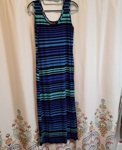 🎠 Multi color striped maxi dress